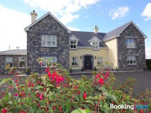 Place for couples in Bunratty with internet