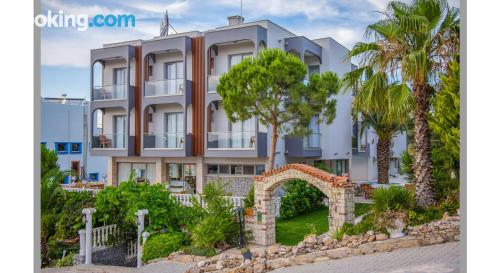 Place with internet in amazing location of Cesme