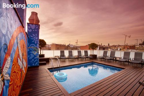 Apartment with terrace. Barcelona is yours!