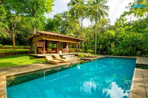 Stay cool: air-con apartment in Balapitiya with pool