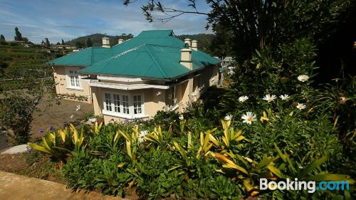 Apartment for two in Nuwara Eliya with terrace and internet.