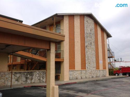 Place for couples in Fort Worth with internet