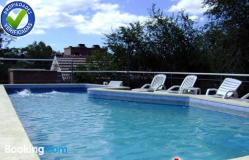 Swimming pool and internet apartment in Villa Carlos Paz. Be cool, there\s air!