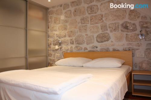 Apartamento de una habitación en buena ubicación con aire acondicionado