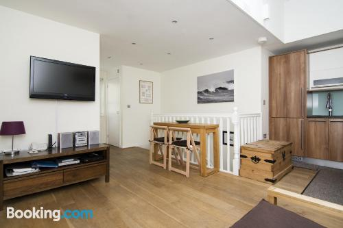 One bedroom apartment in Brighton & Hove. Cot available