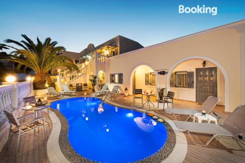Fira apartment with terrace and wifi.