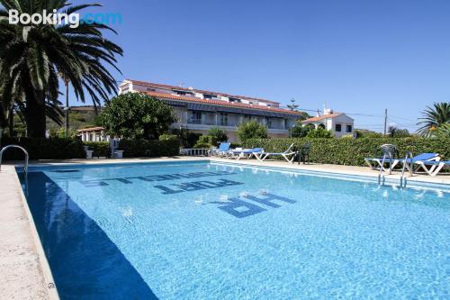 Apartamento con piscina. ¡Bonito!