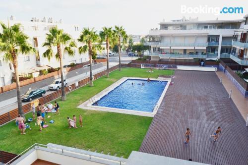 Buena ubicación y terraza en Sant Carles de la Ràpita. ¡90m2!