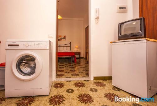 Apartamento en miniatura dos personas, bien ubicado