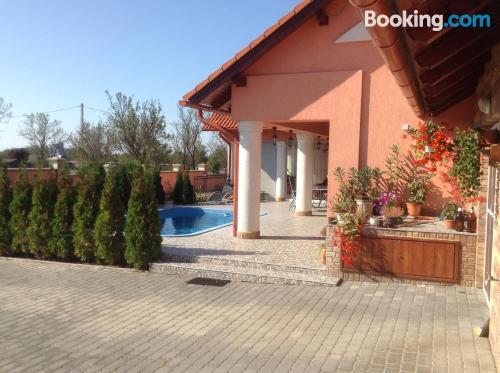 Apartamento en el ajo con vistas y piscina