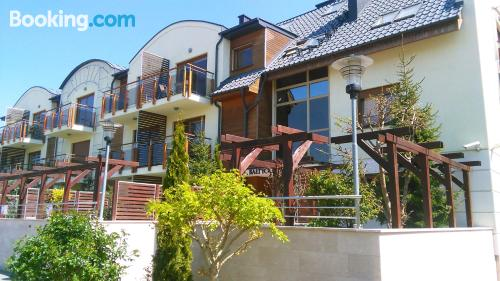 Apartamento con terraza, en zona céntrica