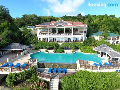 Swimming pool and internet apartment in Gros Islet. Terrace!