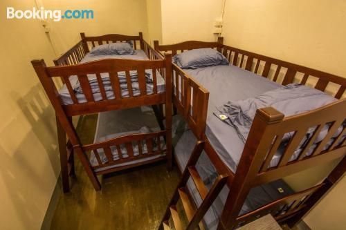 Apartamento con terraza y wifi en Chiang Mai. Ideal para uno