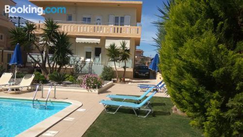 Apartamento cuco en Agia Marina Nea Kydonias. ¡Wifi!