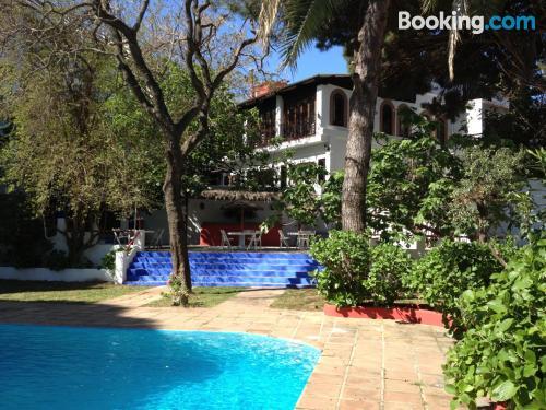 Apartamento con piscina y terraza