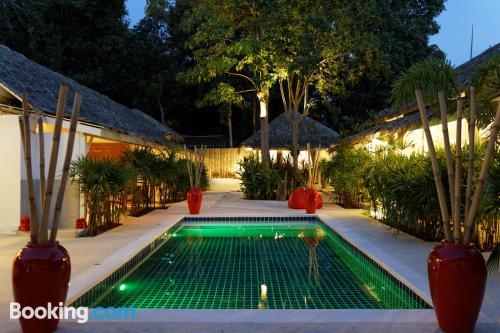 Apartamento en Bophut  con piscina y vistas