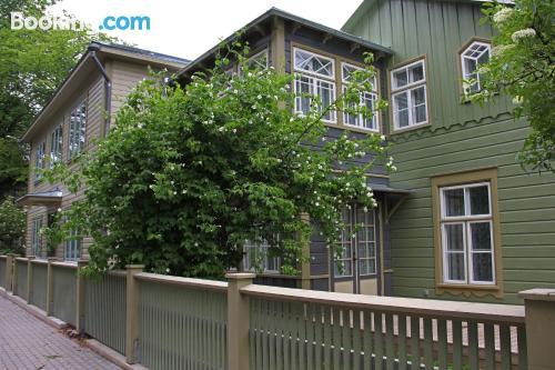 Apartamento de 69m2 en Saare con terraza y wifi