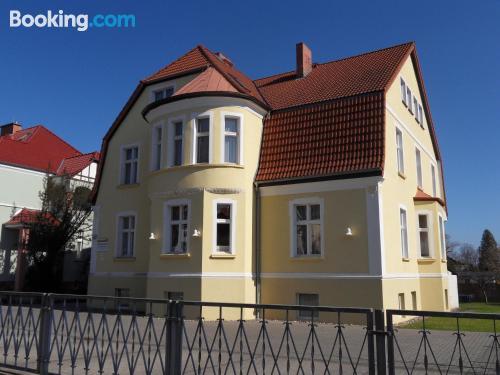 Acogedor apartamento dos personas en Stralsund