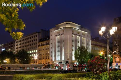 Best location in Neuilly-sur-Seine. Convenient for couples!