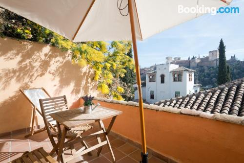 One bedroom apartment in Granada. Spacious and downtown