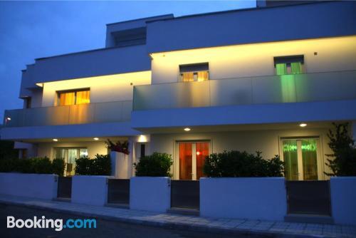 Apartamento con terraza y internet en Torre dell'Orso. ¡Apto para mascotas!
