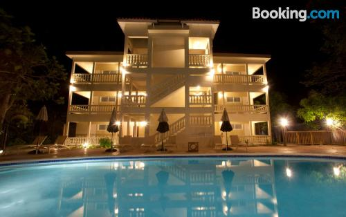 Stay cool: air place in Negril with terrace