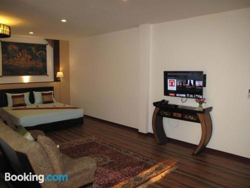 Apartamento para parejas en Lat Krabang con conexión a internet y vistas