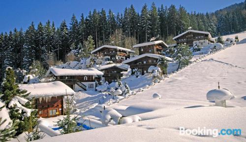 Buena ubicación y vistas en Reith im Alpbachtal con piscina