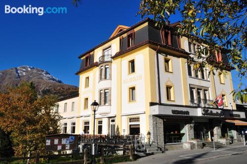 Apartamento para parejas en Pontresina con vistas y conexión a internet
