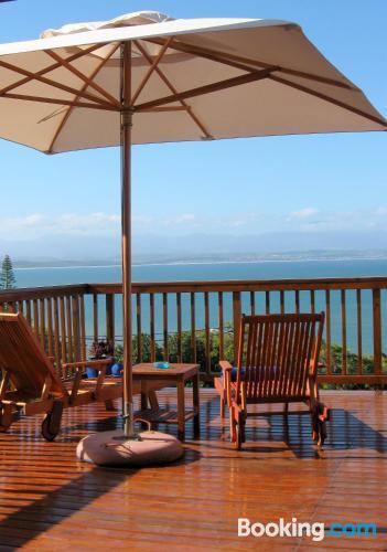 Apartamento con piscina, terraza y wifi