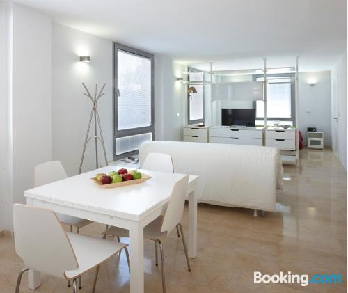 Child friendly apartment in superb location with air-con