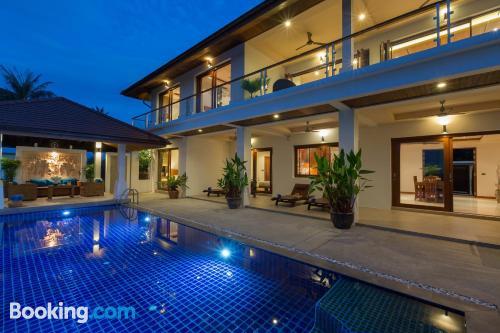 Apartamento con piscina para grupos