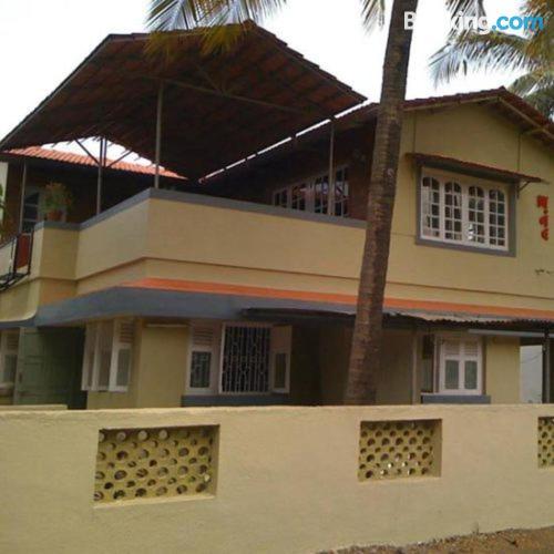 Apartamento bonito en Alibaug ¡Con terraza!