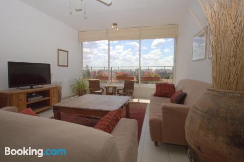 Espacioso apartamento en Kefar Sava con piscina