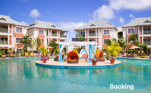 Apartamento en Gros Islet con piscina