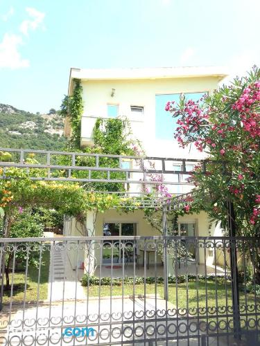 Apartment for groups in Budva with terrace and internet