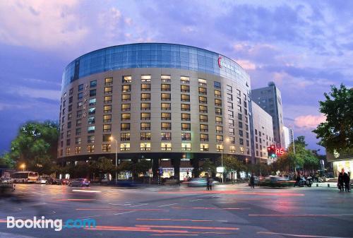 Apartamento de 50m2 en Nanjing con calefacción y conexión a internet.
