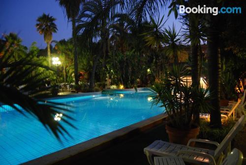 Apartamento con piscina. ¡Wifi!