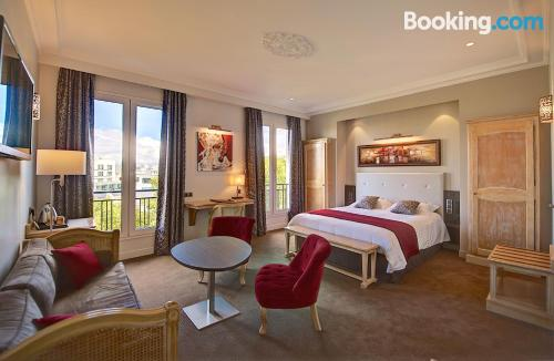 Place for 2 people. Paris experience!