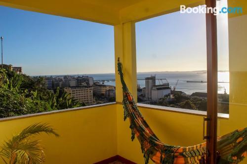 Apartamento en Salvador con terraza y conexión a internet