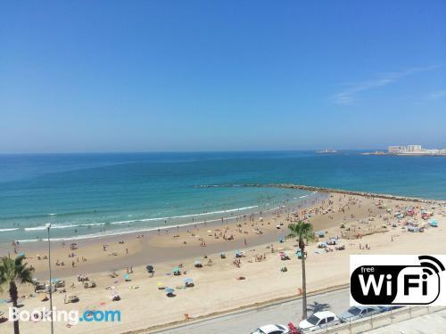 Gran apartamento en Cádiz. ¡100m2!