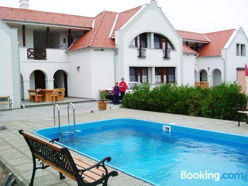 Apartamento en zona increíble con terraza en Hegykő