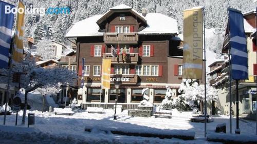 Apartamento con terraza y internet en Adelboden para viajeros independientes