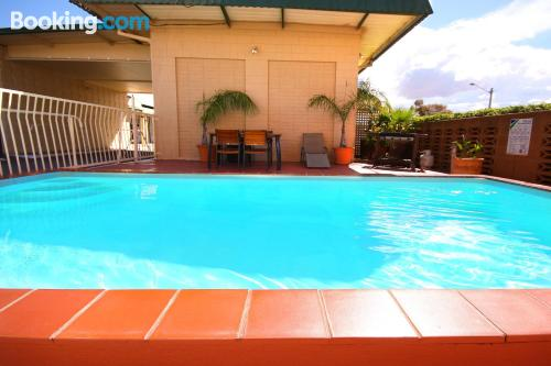 Piscina y internet en Broken Hill ideal parejas