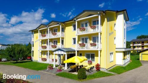 Apartamento con conexión a internet y terraza