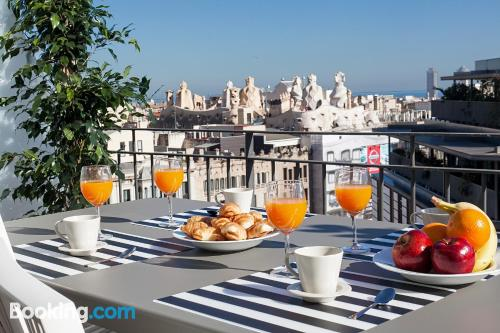 1 bedroom apartment in Barcelona. Cot available